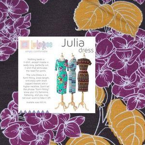 New LULAROE Hydrangea Floral Julia Dress D9